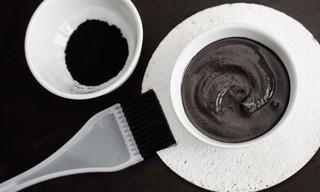 Черная глина для лица: свойства и применение