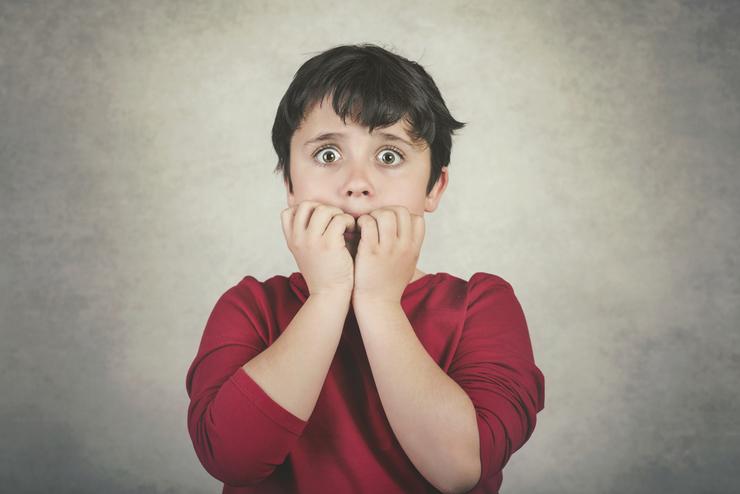 Как отучить ребенка грызть ногти: полезные советы