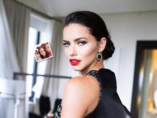 Три красавицы: супермодель Адриана Лима показала фото с подросшими дочками