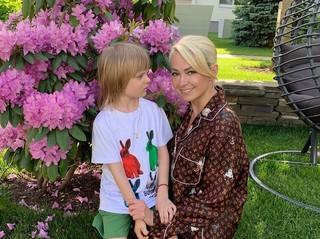 Яна Рудковская рассказала о фобии, которая у нее появилась после рождения младшего сына