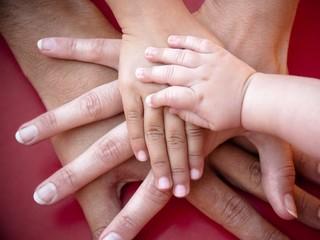 Муж или дети: кто для женщины должен быть на первом месте?
