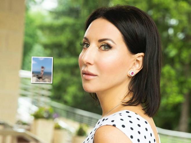 Юным девушкам на зависть: Алика Смехова продемонстрировала стройную фигуру в купальнике