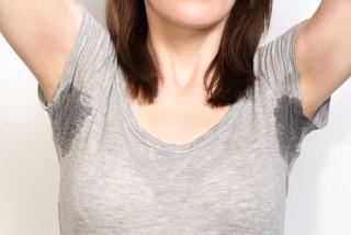 Причины повышенной потливости тела у женщин и методы лечения