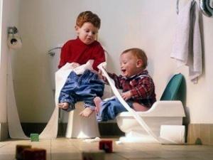 Колики у детей: причины появления и методы устранения
