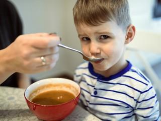 Совет дня: чтобы ребенок рос самостоятельным, не говорите одно вредное слово