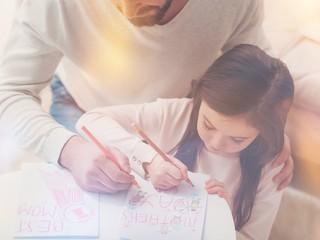 Совет дня: соблюдайте золотую середину, помогая ребенку с выполнением домашнего задания