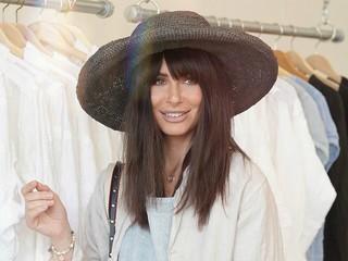 Саша Зверева поделилась своими секретами, как навести порядок в гардеробе