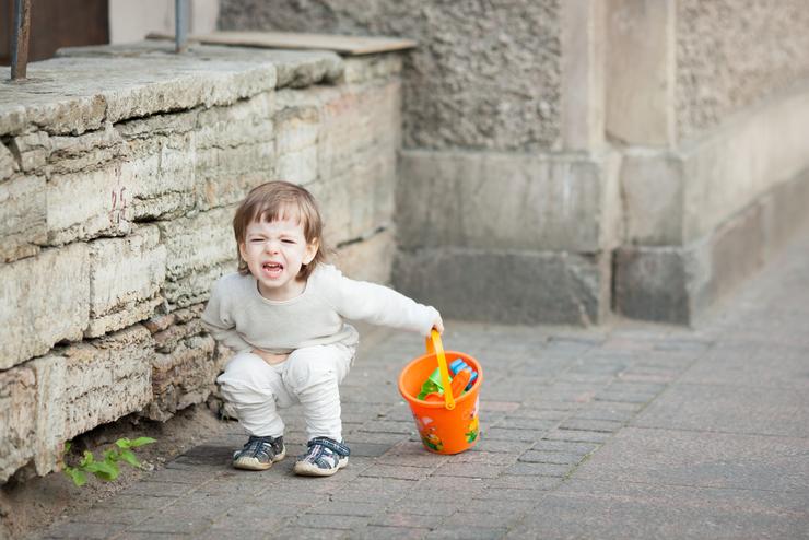 болит живот слева внизу у ребенка