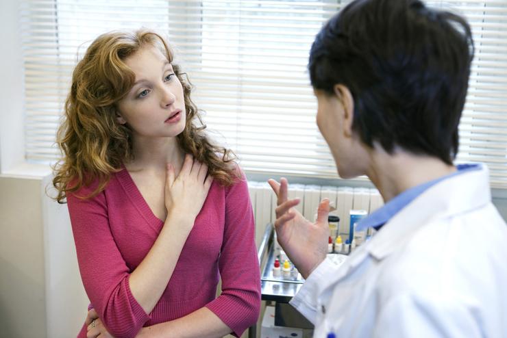 Причины роста волос вокруг ореолы у женщин