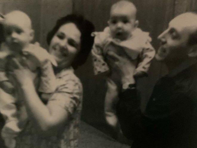 Игорь Верник и Вадим Верник с родителями