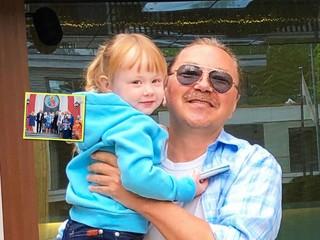 Редкий кадр: Игорь Николаев показал фото с крестин дочки