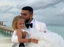 Подарок с намеком: 5-летняя дочь Тимати сделала ему на день рождения особенный презент