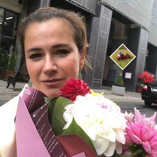 Сын Ксении Лавровой-Глинки в подарок на день рождения получил ретро-автомобиль